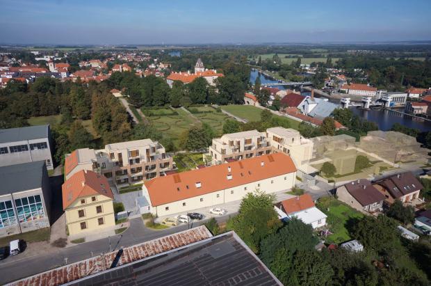 V sousedství brandýského zámku vyrůstá nová rezidence