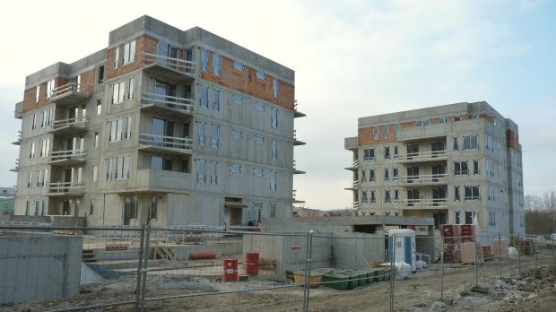 V projektu Suomi Hloubětín vyrostla další hrubá stavba s osmdesátkou bytů