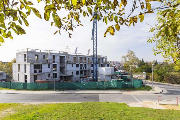Hrubá stavba Rezidence U Boroviček je dokončena a stavba pokračuje podle harmonogramu