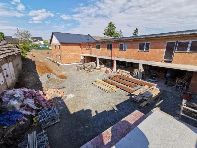 Společnost Bidli završila hrubou stavbu komorního bytového projektu v Nemilanech v Olomouci